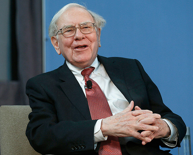 Warren Buffett, co-chair of the 10,000 Small Businesses Advisory Council, takes part in a panel discussion.