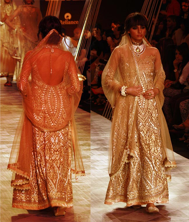 A model in a Tarun Tahiliani creation.
