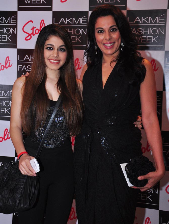 Pooja Bedi (right) with daughter Aalia
