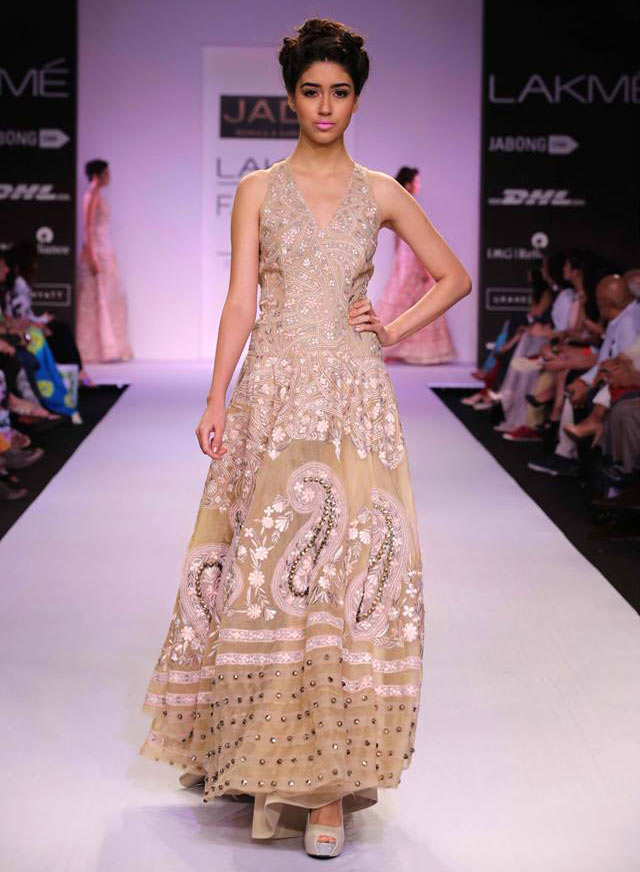 Edna walks for Jade by Monica and Karishma