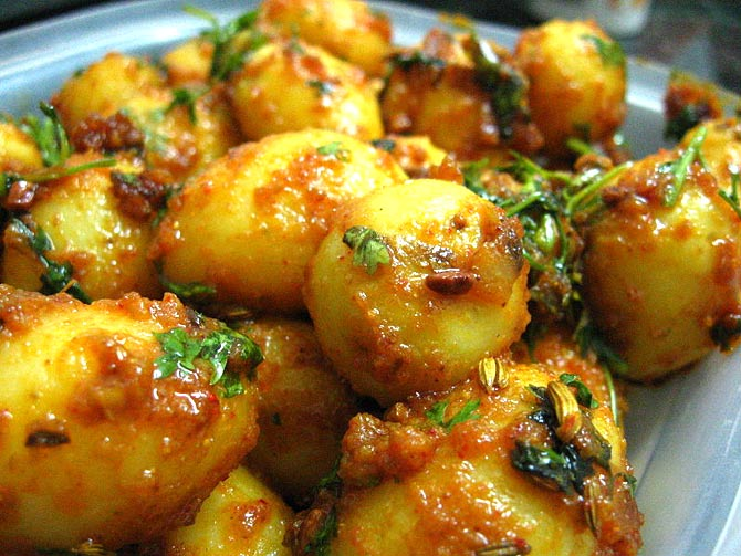 Traditional bengali recipes for holi rediff getahead aloo dum forumfinder Gallery