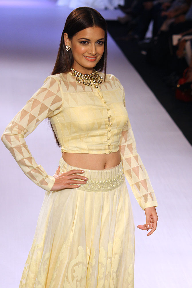 Dia Mirza poses for the shutterbugs
