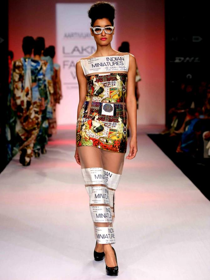 A model in an Aarti Vijay Gupta creation