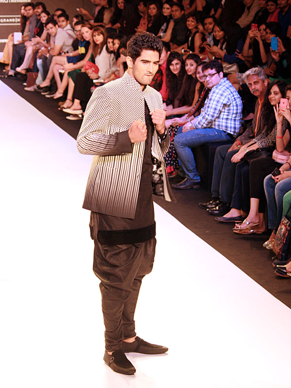 Boxer Vijender Singh packs a punch on the ramp for designer Archana Kochhar