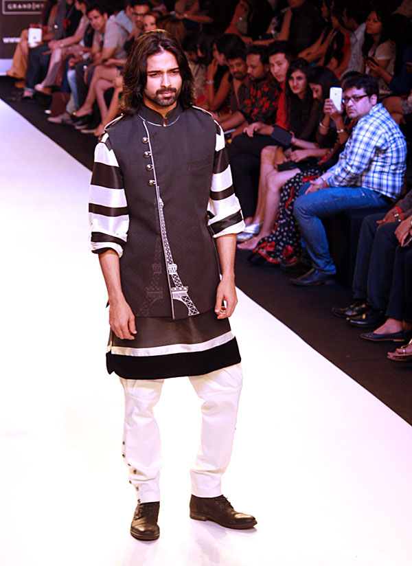 Amit Ranjan walks for Archana Kochhar.