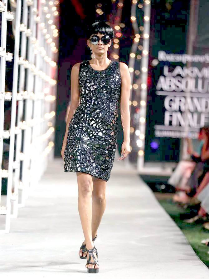 A model in a Rajesh Pratap Singh creation