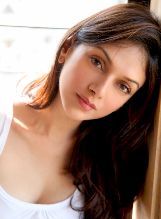 Fats hold the skin up and make it look supple and young. For a great skin like Aditi Rao Hydari, don't shun your fat intake.