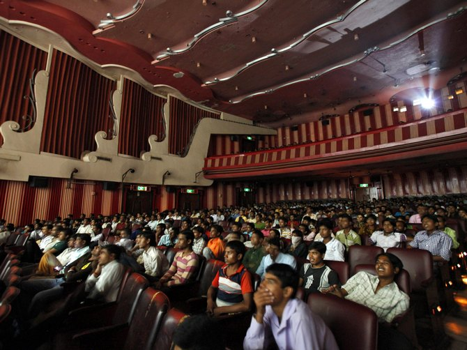 Cinemagoers watching at Dilwale Dulhania Le Jayenge at Maratha Mandir. Owner Manoj Desai says that the film enjoys at least 60 to 70 per cent occupancy on weekdays and runs a full house on weekends.