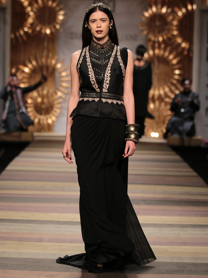 Sucheta Sharma in a Tarun Tahiliani creation