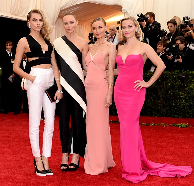 (L-R) Cara Delevingne, Stella McCartney, Kate Bosworth and Reese Witherspoon