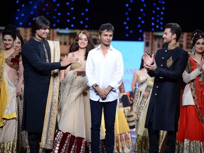 (L-R) Vivek Oberoi, Vidya Malvade, Vikram Phadnis and Neil Nitin Mukesh