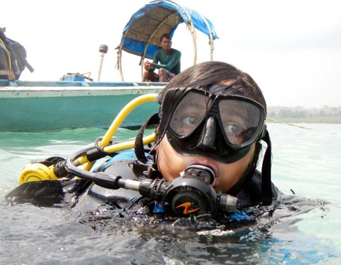Tamanna Balachandran taking scuba diving lessons