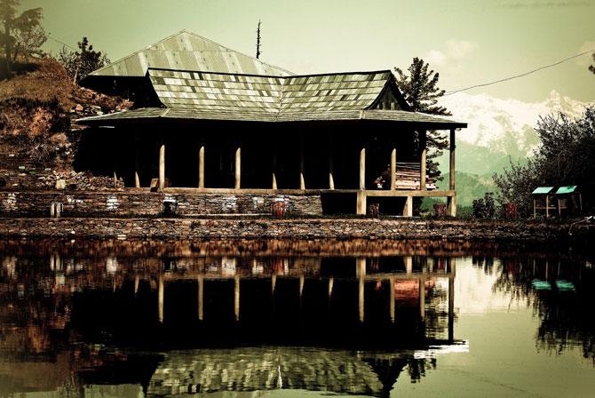 Tani Jubbar Lake, Thanedar