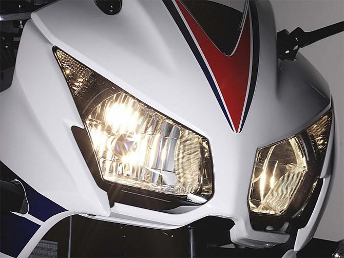 Bike wars: Honda CBR300R to take on yamaha R25