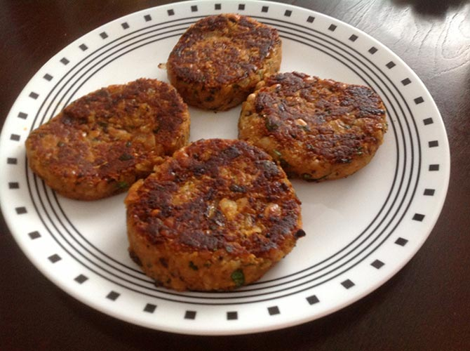 Latest News from India - Get Ahead - Careers, Health and Fitness, Personal Finance Headlines - Recipe: How to make Black Eyed Peas Patty