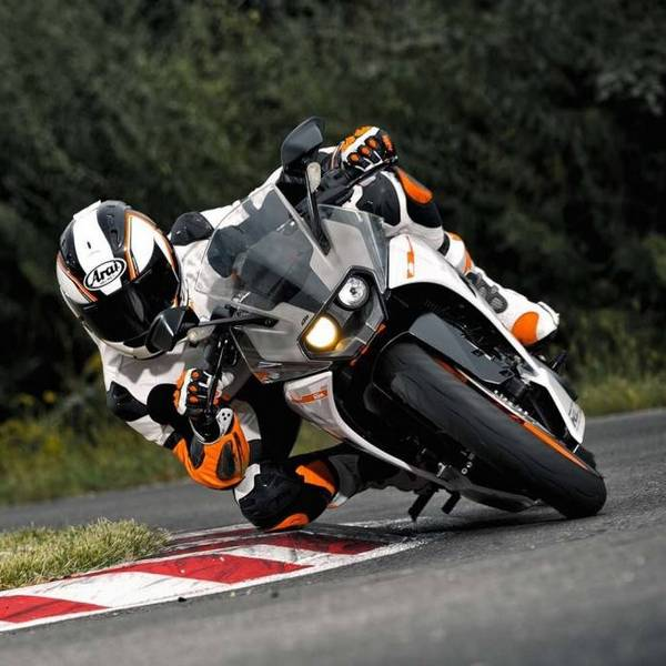RC 200 and RC 390: KTM's spanking new bikes!