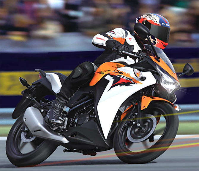 Honda CBR150R Is All Set To Take On Yamaha R15