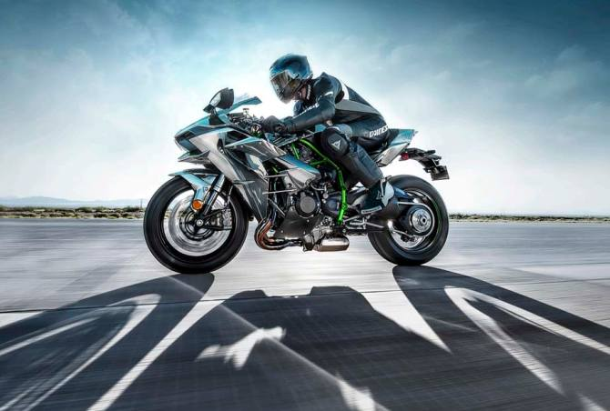 Kawasaki Ninja H2 is your for Rs 29 lakh