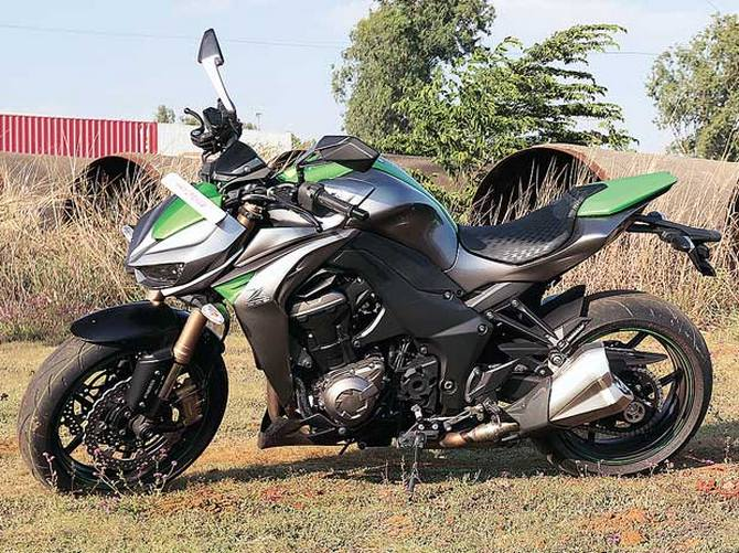 Kawasaki Z1000, the bike with a hatchback's engine