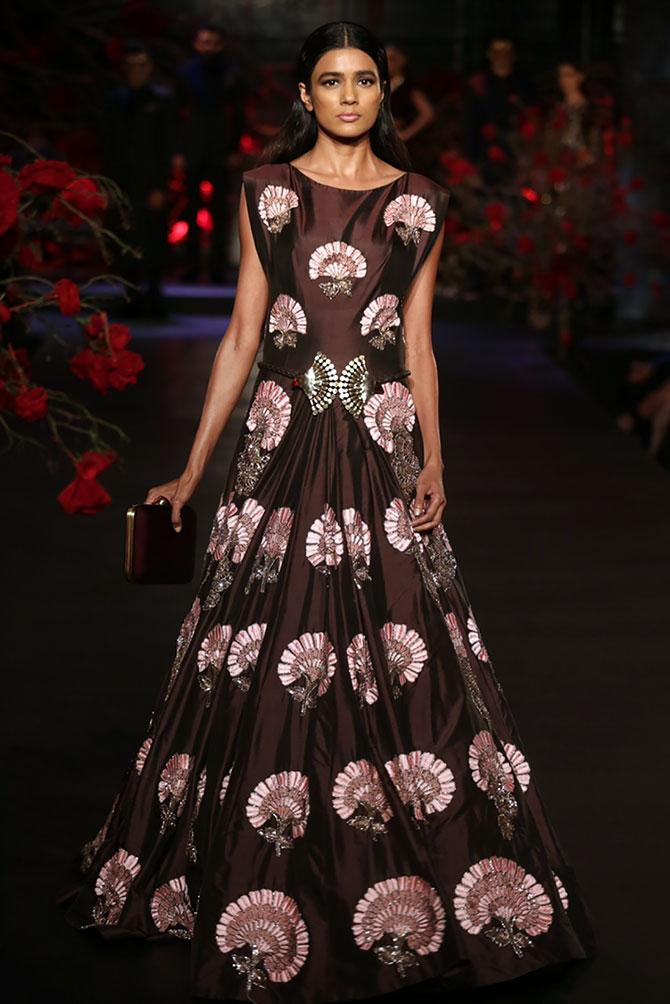 manish malhotra couture collection amazon india gown bridal week winter autumn girlsmagpk anarkali runway flower mushroom designer indian brown aishwarya