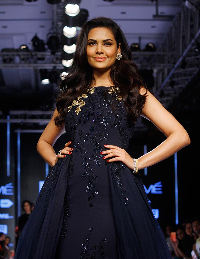 Latest News from India - Get Ahead - Careers, Health and Fitness, Personal Finance Headlines - Esha exudes glamour in embroidered black gown