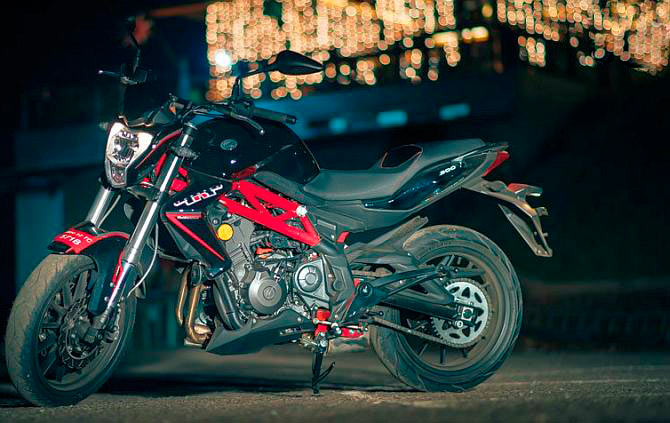 Benelli TNT300 is a Pocket-Rocket of a bike