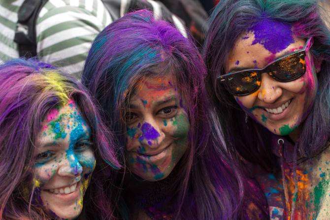 Latest News from India - Get Ahead - Careers, Health and Fitness, Personal Finance Headlines - 3 money lessons we can learn from Holi