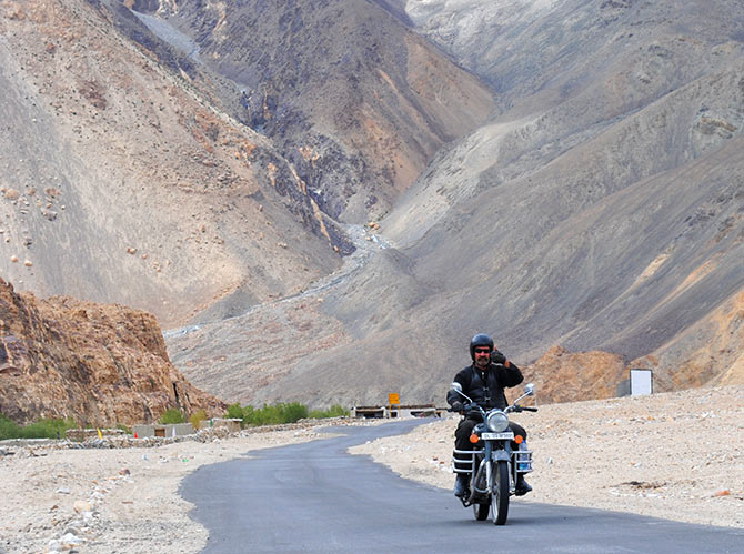 Latest News from India - Get Ahead - Careers, Health and Fitness, Personal Finance Headlines - Biking to Ladakh? Mistakes you must avoid!