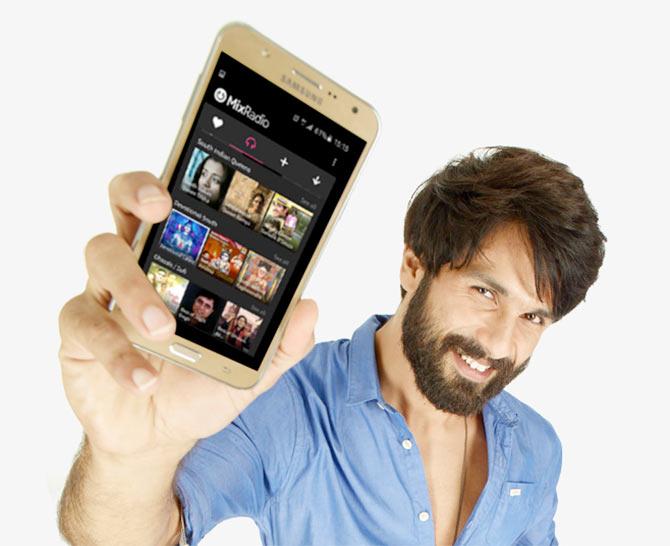 Top five 4G smartphones under Rs 15k