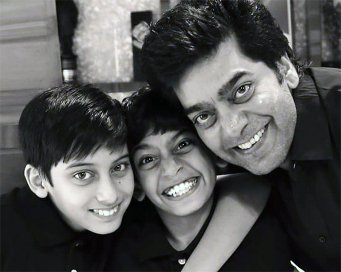 Ashutosh Rana with kids