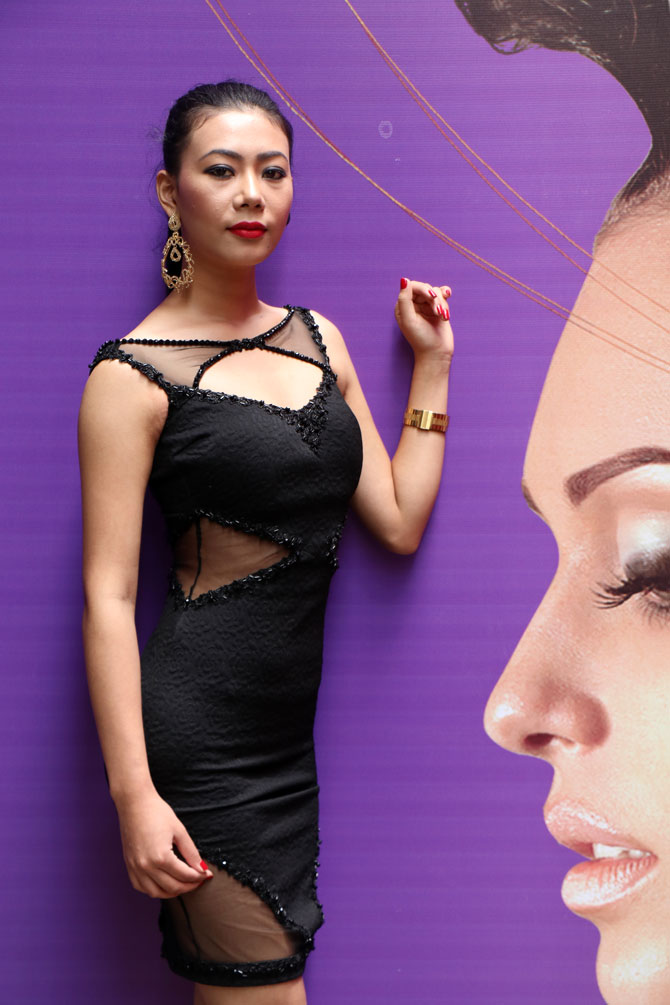 Latest News from India - Get Ahead - Careers, Health and Fitness, Personal Finance Headlines - Who's this pretty Naga model?