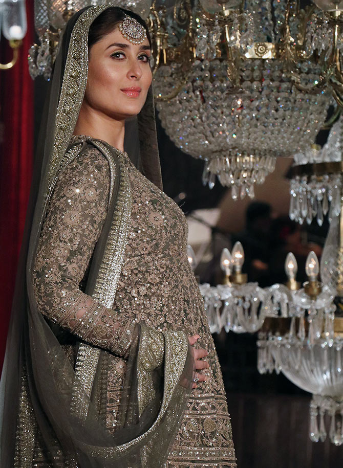 Latest News from India - Get Ahead - Careers, Health and Fitness, Personal Finance Headlines - A walk to remember: Kareena wraps up LFW