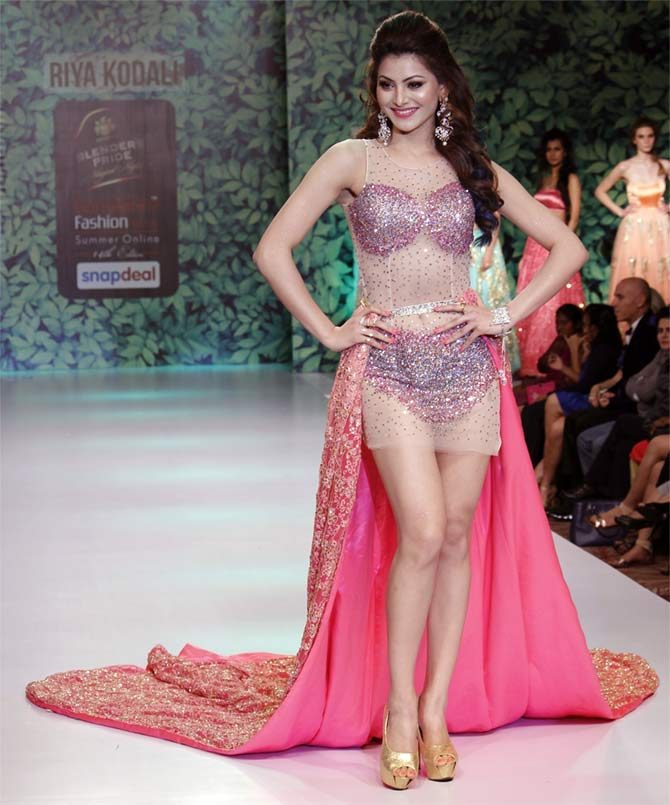 Latest News from India - Get Ahead - Careers, Health and Fitness, Personal Finance Headlines - Pics: Urvashi, Akshara scorch the ramp