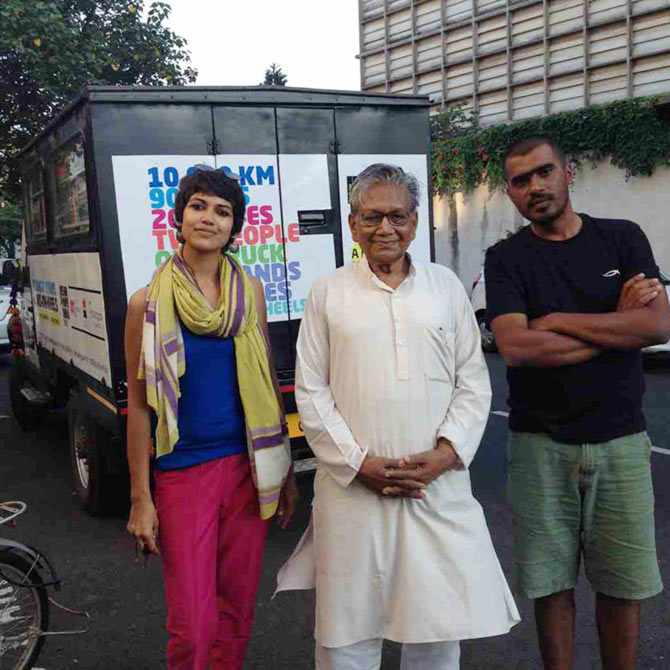 Latest News from India - Get Ahead - Careers, Health and Fitness, Personal Finance Headlines - Two youngsters, 20 states and a truck full of books