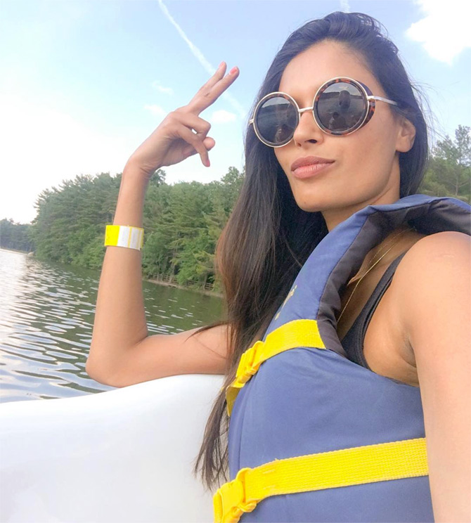 Latest News from India - Get Ahead - Careers, Health and Fitness, Personal Finance Headlines - Hot pics: Celebs caught off-duty!