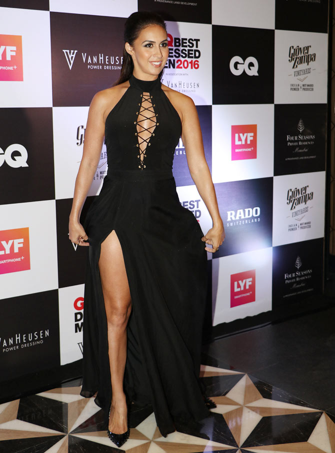 Latest News from India - Get Ahead - Careers, Health and Fitness, Personal Finance Headlines - Pics: 7 hotties who wore black like a BOSS