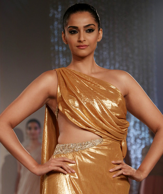 Latest News from India - Get Ahead - Careers, Health and Fitness, Personal Finance Headlines - Look who just melted our screens