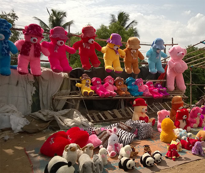 Colourful dolls are sold at Chainapata.