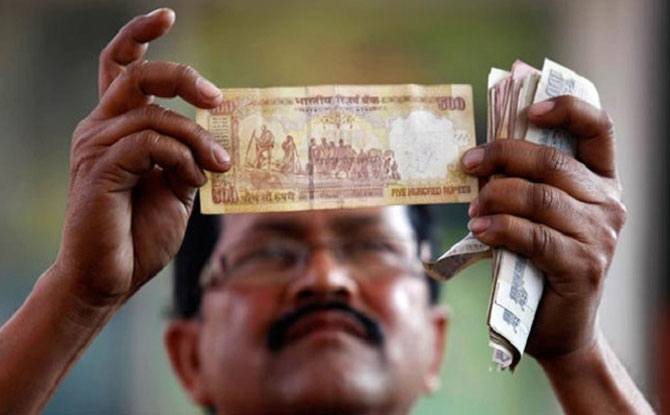 Chat@2: How will the Rs 500 and Rs 1000 notes ban affect you?