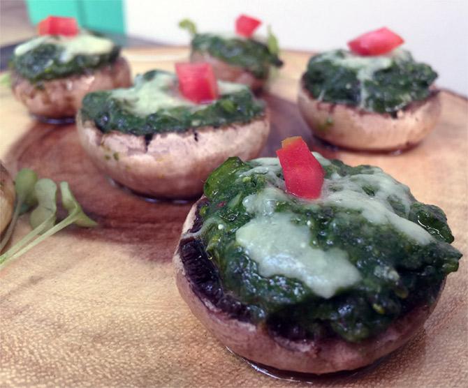 Makai Saag Baked Mushroom