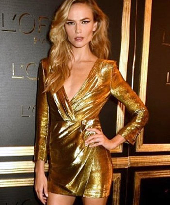 Latest News from India - Get Ahead - Careers, Health and Fitness, Personal Finance Headlines - StyleDiaries: Natasha in gold vs Esha in red