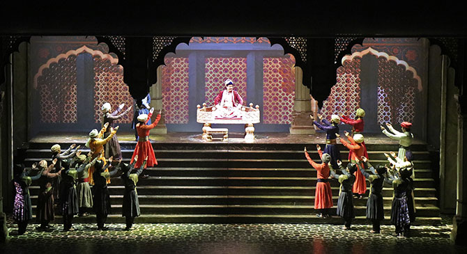 Mughal e azam a world class indian production at last for Play house music