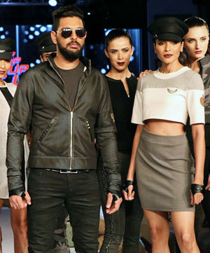Latest News from India - Get Ahead - Careers, Health and Fitness, Personal Finance Headlines - Pics: Yuvi and gang turn to fashion to fight cancer