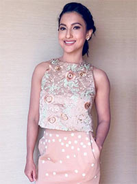 Latest News from India - Get Ahead - Careers, Health and Fitness, Personal Finance Headlines - Style diaries: How Gauahar nailed it in peach!