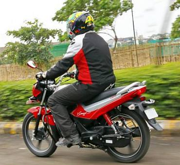 Should you buy Hero Splendor iSmart 110 for Rs 53k?