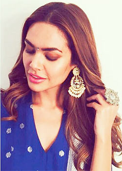 Latest News from India - Get Ahead - Careers, Health and Fitness, Personal Finance Headlines - Style diaries: Esha wows; Richa fails