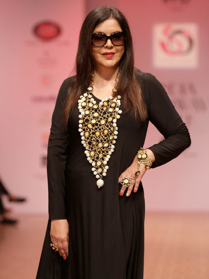 Latest News from India - Get Ahead - Careers, Health and Fitness, Personal Finance Headlines - Simply Wow! Zeenat, Sharmila turn showstoppers