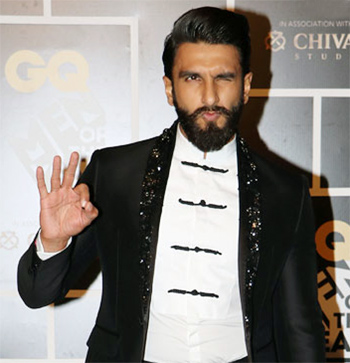 Latest News from India - Get Ahead - Careers, Health and Fitness, Personal Finance Headlines - In Pics: Ranveer's black suit was made for a prince!