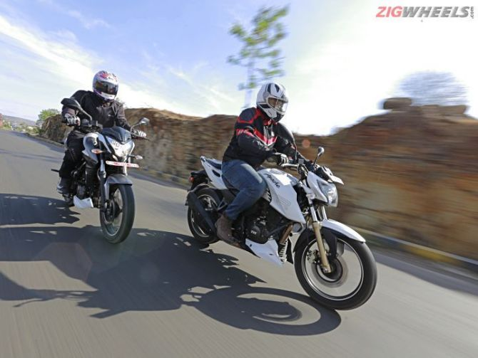 Bajaj Pulsar NS 200 against the TVS RTR 200