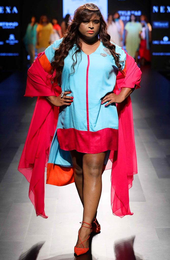 1192e261767 Whoever said that fashion weeks are all about slinky models, needs to think  again. Transgender model Varonica Campabell strodes the ramp, ...